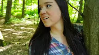 Nadine - In den Wäldern (Selfiestick Video)