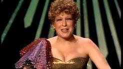 """Arthur's Theme"" Wins Original Song: 1982 Oscars"