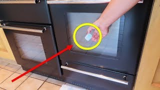 Use this trick to clean your oven door in 5 minutes !