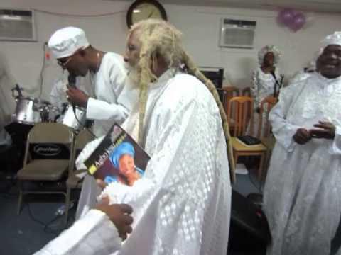 "Download GENERAL PROPHET ABRAHAM A. FASH dances with BABA ALADURA AJAYI AKINTOBI ""AROJIBIKA 2"" PART 4"