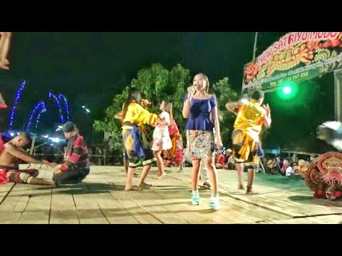 Artis New Satriyo Mudo---Lagu2 Dangdut Hits (Syantiik...Kalah Cepet dll)---Live Wonotengah Purwoasri