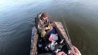 Рыбалка в черте города Судак щука Встретили много знакомых рыбаков