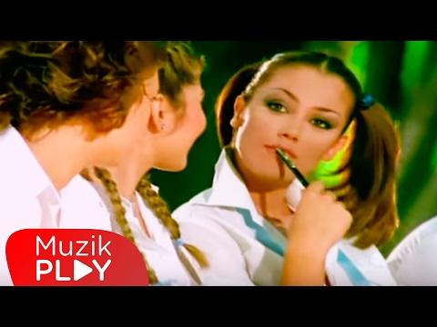 Petek Dinçöz - Foolish Casanova (Official Video)