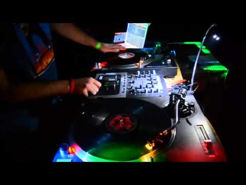 CutWars - Dado & Pips /Live/
