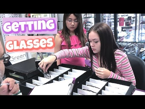SISTERS Get GLASSES! (Mya Picks Out Her Glasses, And Alayah Gets Hers!)