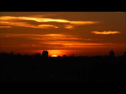 Oranje zonsondergang op 22 november