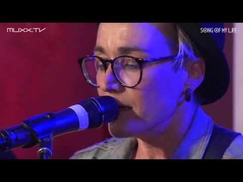 Elli Erl Beim Wohnzimmerkonzert Song Of My Life