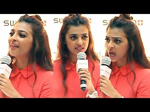 Radhika Apte BADLY Lashes A Reporter When...