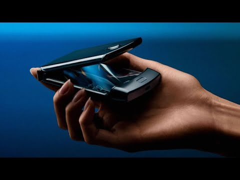 Motorola Razr: Hands-On - BBC Click
