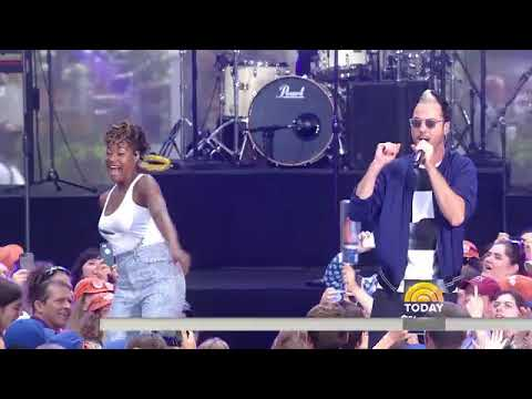 Watch Fitz and the Tantrums perform 'HandClap' live