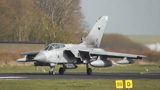Frysian Flag VLB Leeuwarden 12 april  2016, 2 RAF Tornado, friendly waving pilot
