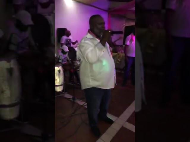 Carlos Aron live ft Naks Kaseko loco