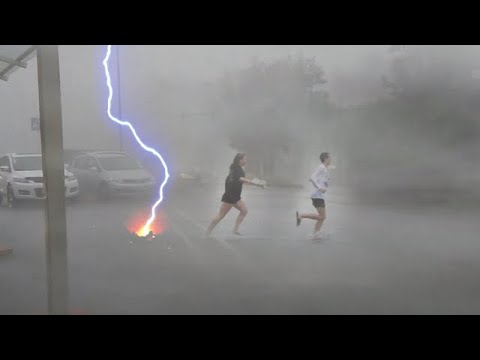 Scary winds 'tornado' destroys kamenogorsk, Moscow! ⚠️⚡️ Russia