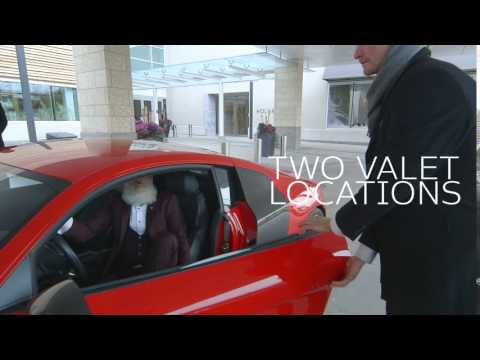 How Yorkdale's Fashion Santa Arrives in Style