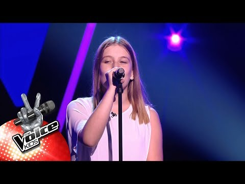 Eva - 'Read All About It' | Blind Auditions | The Voice Kids | VTM