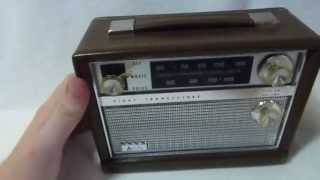 1961 Arvin 61R58 lunchbox transistor radio (Made in the USA)