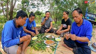 กินข้าวป่า ปิ้งปลา ก้อยปลาขาวน้อย นั่งกินแซ่บๆข้างคูห้วยน้ำ อากาศลมเย็นๆ