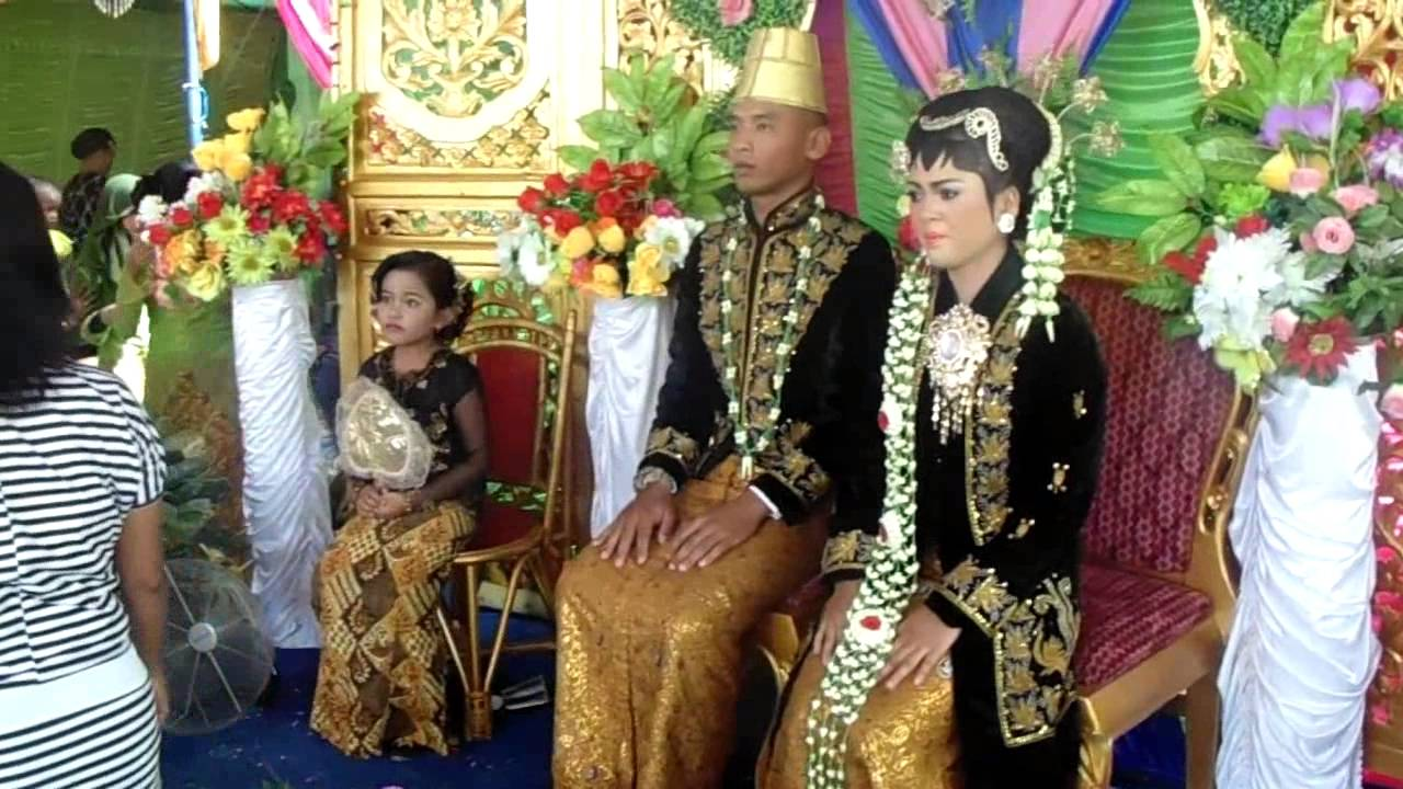 Video wedding neneng imbar nimbrokrang jayapura papua youtube video wedding neneng imbar nimbrokrang jayapura papua junglespirit Images
