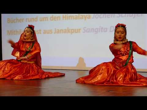 Gairi Khetko Sirai Hanyo /old Nepali Song /cover Dance By Sonia & Divya