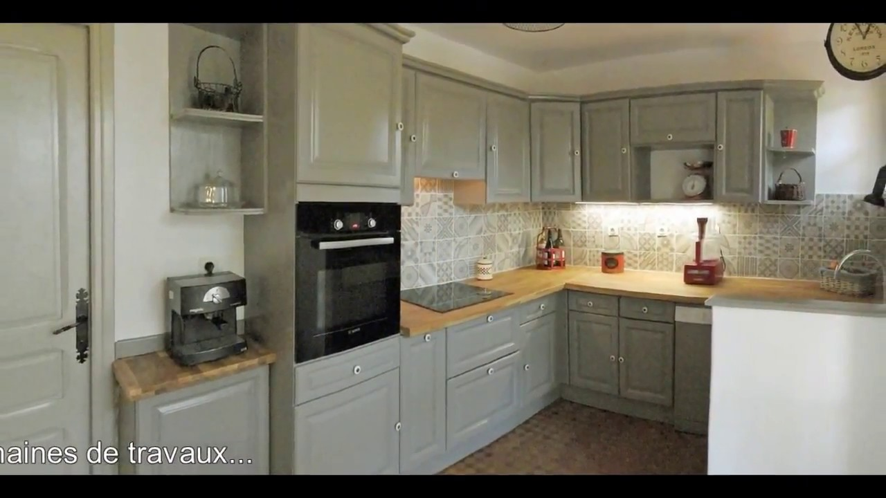 Relooking d 39 une cuisine rustique par aedis youtube - Relooker une cuisine rustique ...