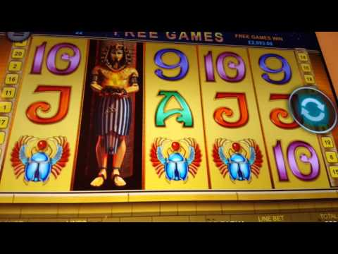 MASSIVE MASSIVE WIN!!  Playing Online CASINO GAME!!!