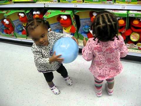 Toys R Us Musical Elmo