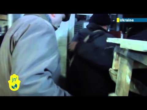 Battle for Ukraine: Kremlin-backed separatists seize government buildings in east Ukraine