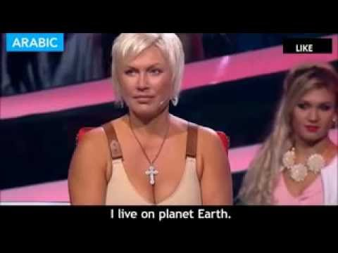 4 year old Russian girl stuns crowd by speaking fluently in 7 languages
