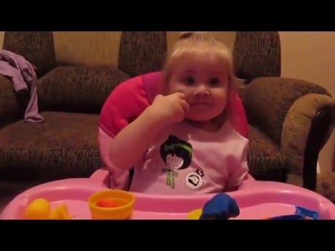 Видео, Маленькая девочка знает все столицы мира