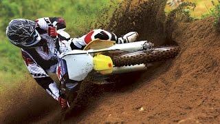 Мото спорт. гонка, песок, пыль, полет, класс!