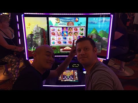 T and Brian Of Denver play on The Willy Wonka Slot Machine!