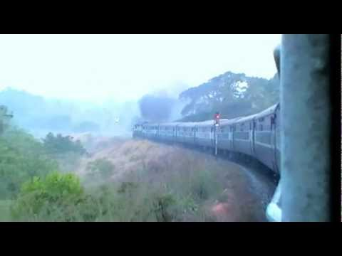 Yesvantpur Kannur (Cannanore) Express (16517) curving outside Bantawala