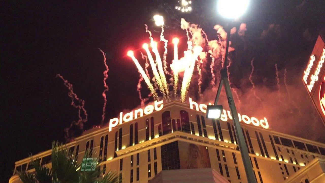 Las Vegas 2016 New Years Eve FireWorks - YouTube