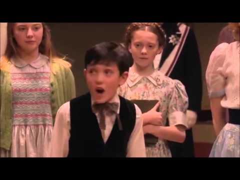 So Long Farewell Comparison - The Sound Of Music Live US and UK