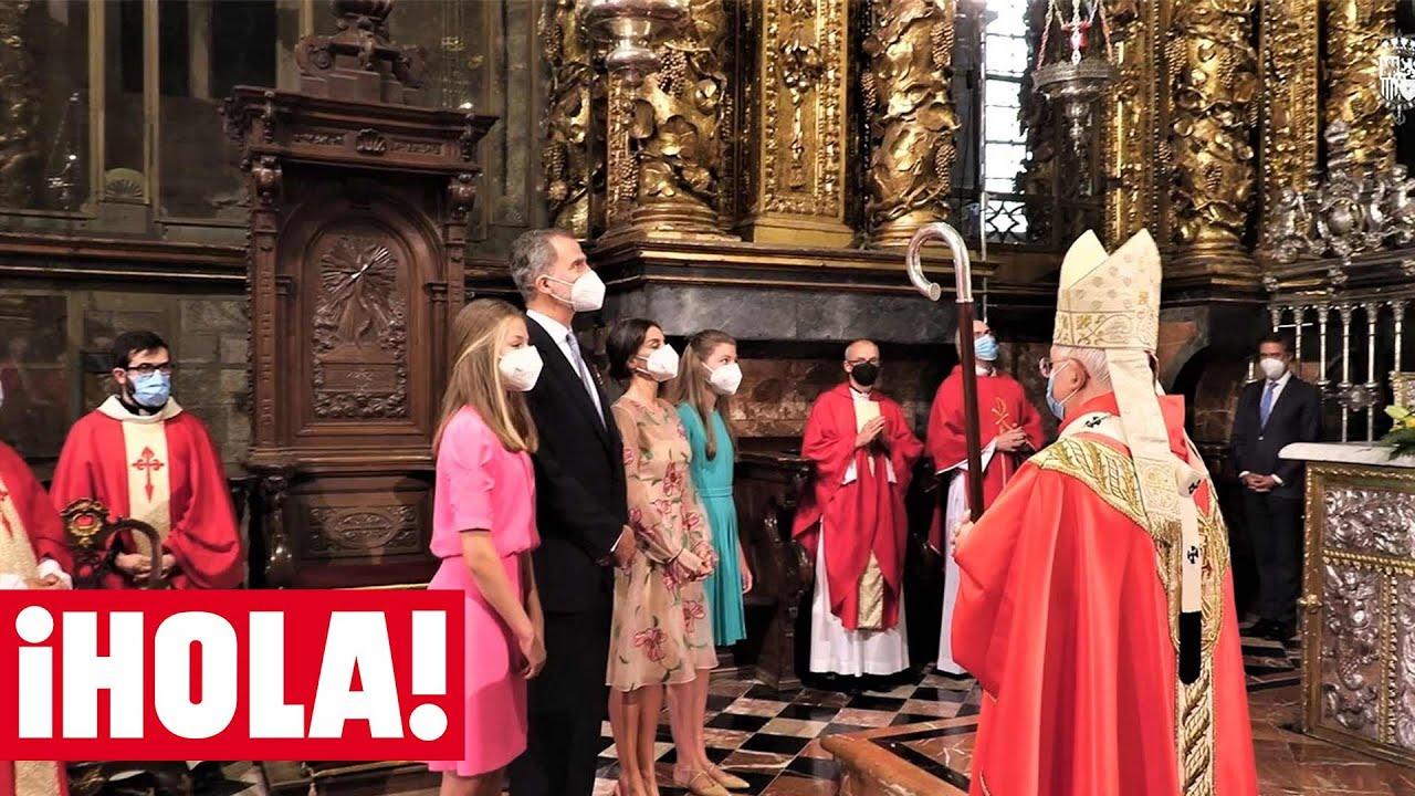 Leonor y Sofía impresionadas por el ritual del botafumeiro en la Ofrenda al Apóstol