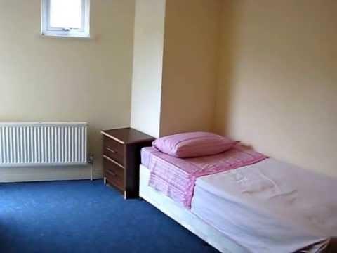 Habitaci n con alfombra azul en alquiler en londres youtube - Alquiler alfombras ...