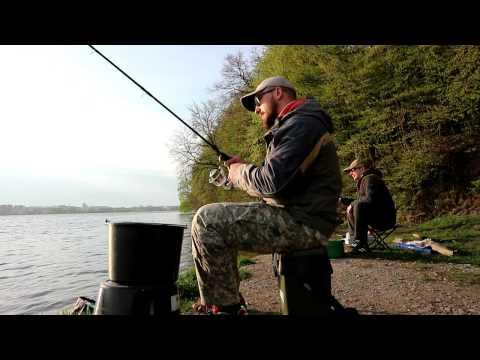 ловля на фідер весною відео