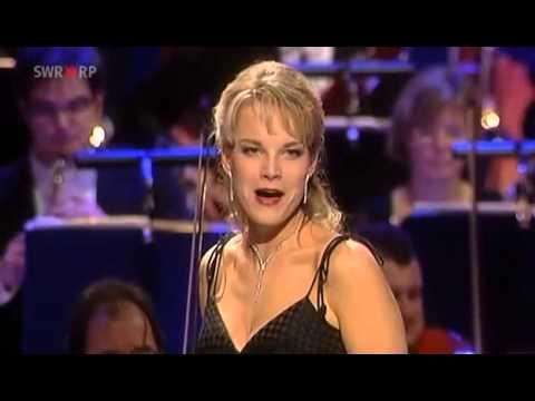 Elina Garanca. L'amour est un oiseau rebelle (Habanera), Carmen. Georges Bizet.