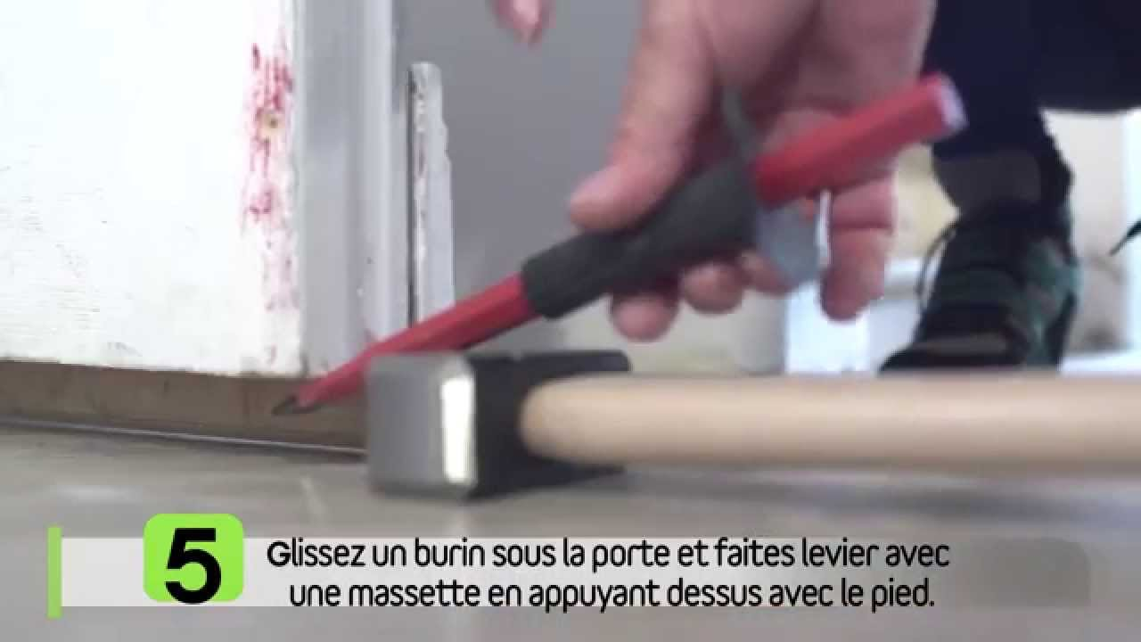 Emp cher une porte de frotter youtube for Comment nettoyer une porte de garage en aluminium