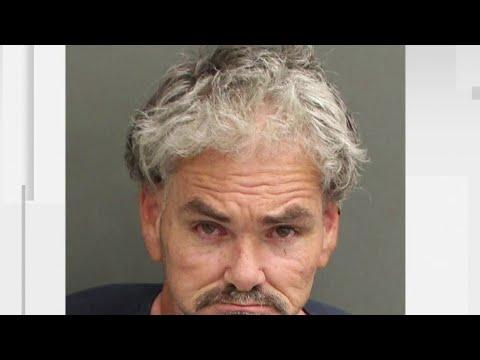 Super Martinez - Arrestan a Hombre de 51 años Después de Manosear a Princesa de Disney