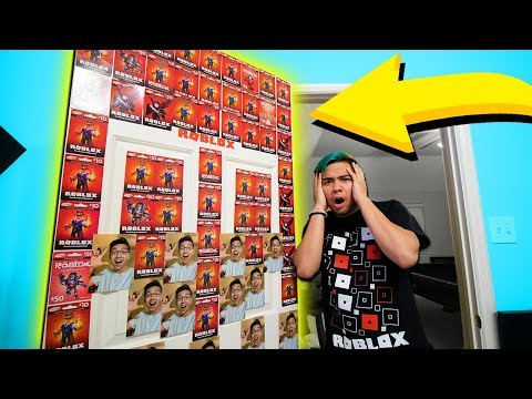 COVERING MY ROOMMATES ROOM WITH ROBUX!! (Roblox IRL)