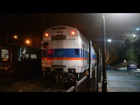 MNR GP35r Tows Lite P32AC-DM @ Brewster⁴ᴷ (Harlem Line)