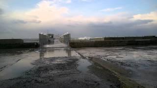 Шторм. Пляж Хоста 17 ноября 2015г(, 2015-11-17T06:18:37.000Z)