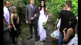 Странный типок на свадьбе