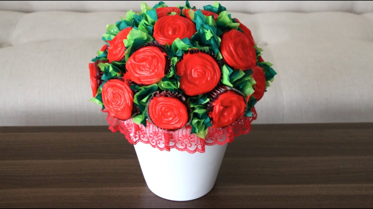 Diy flower cupcake bouquet youtube izmirmasajfo
