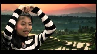 VIDEO KLIP LAGU ANAK-ANAK TERBARU 2015 ( DESAKU BY AJENG ) Cipt. MILA EO