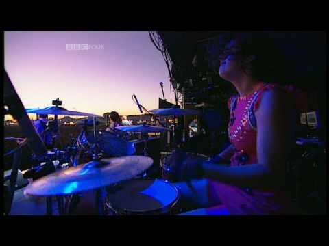 Arcade Fire - Neighborhood #1 (Tunnels) | Reading Festival 2007 | Part 6 of 9
