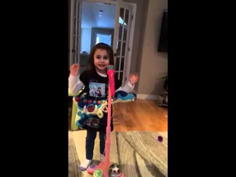 Taylor Swift Blank Space cover by 4 year old Tina