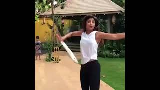 shilpa shetty playing Cricket With His Sons