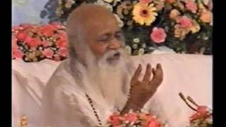 Maharishi über das Leben im Einklang mit dem Naturgesetz Thumb